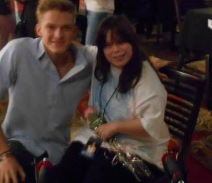 Six years ago on this day I met one of my favorite singers of all time in person @CodySimpson he was so sweet and such a gentleman I hope one day I get to meet him again