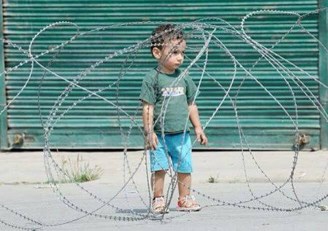 Day 171. Kashmir is still cut off from the world and is being forcibly colonised by India.  #171DaysOfKashmirSiege <br>http://pic.twitter.com/aa91MTwLZr#171DaysOfKashmirSiege