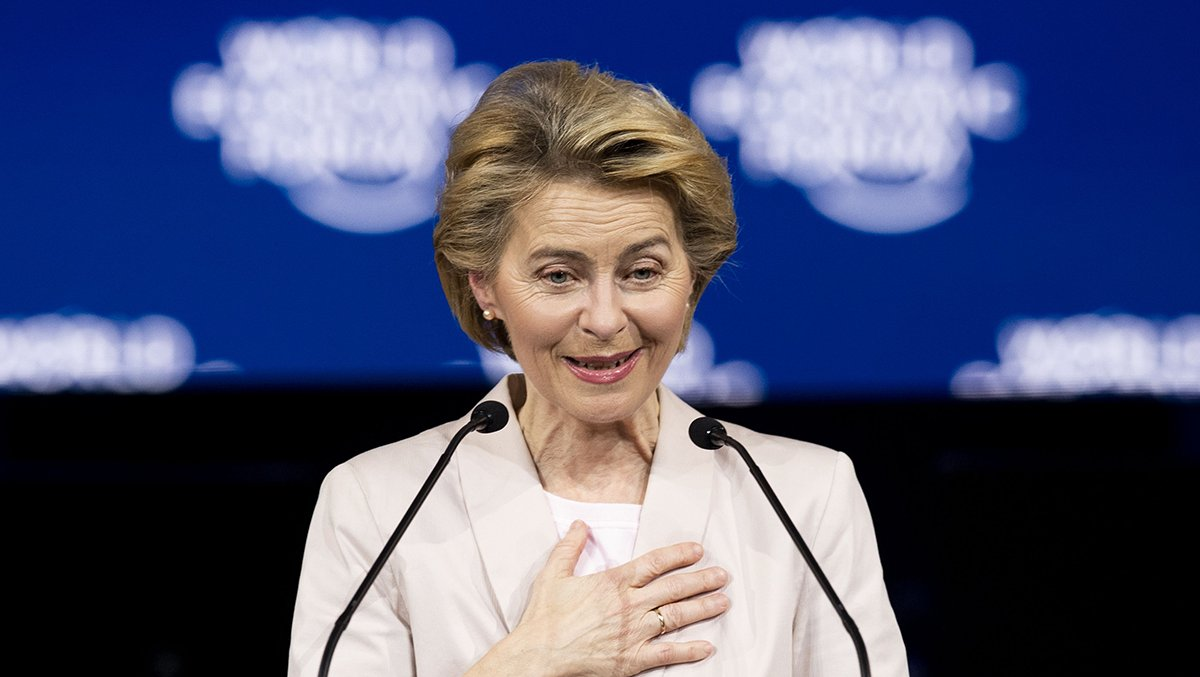 Its #Davos day 2 and the event is set to welcome European Commission chief Ursula von der Leyen… Follow @Louis_Ashworth and our business live blog for the latest news, analysis and reaction telegraph.co.uk/business/2020/… #Davos2020