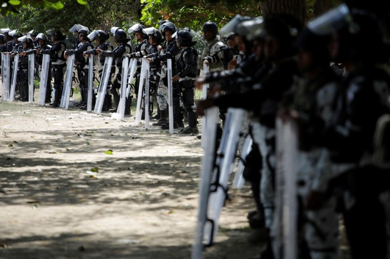 Migrants clash with Mexican troops at border https://reut.rs/2uq6bpO
