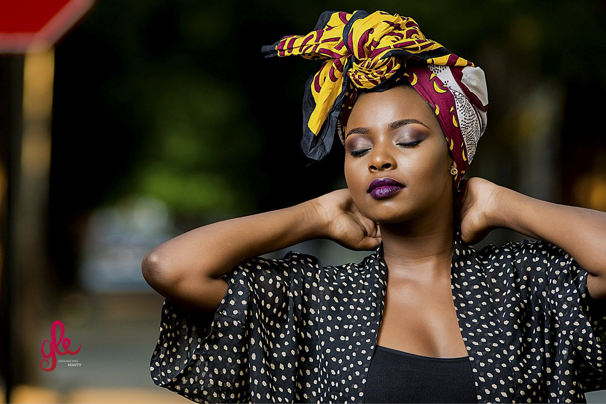 """""""Everything is beautiful, all that matters is to be able to interpret."""" ― Camille Pissarro   @K15Photos  #makeupartist #makeup #tanzania #daressalaam #beautifulpic.twitter.com/qKGdLeBtoi"""