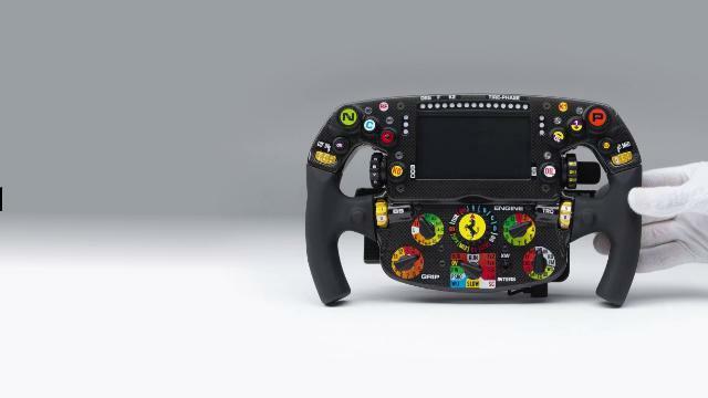I mille pulsanti del volante Ferrari F1 https://t....
