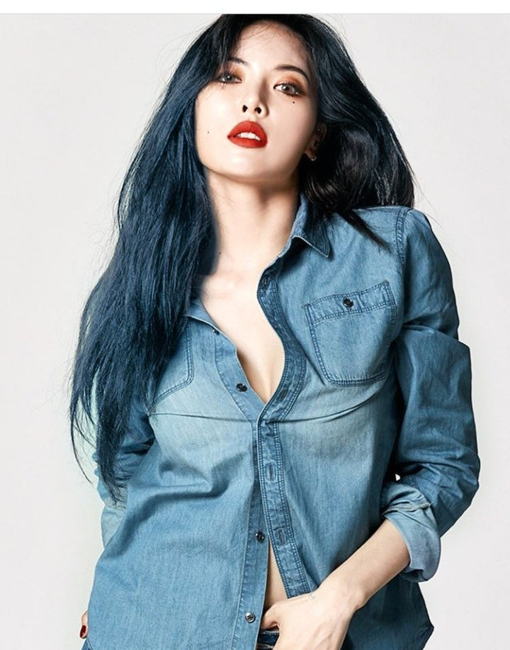 #HyunA sporting blue hair !! #2020 #kpop #pnation #hyunaflowershower #flowershower #makeup #hair