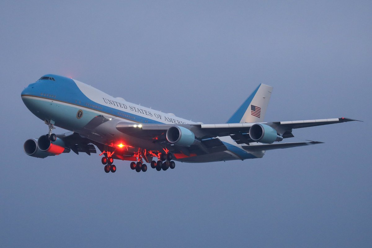 January 21, 2020 in ZRH we saw the 2 Boeing 747-200 (VC-25A) 82-8000 and 92-9000 (as Air Force One). Big thanks to @Easyspotting for all the updates all day long. @wef @GVA2IST @GvaSpotter @777er300 @swrmd11 @Smutz07710322 @Guenat64 @OlivierMinger https://t.co/nAhWAgdB5C