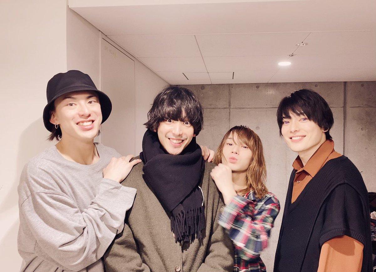 「ミュージカル『刀剣乱舞』歌合乱舞狂乱2019」東京公演の初日を迎えることができました!ご来場いただきありがとうございました!いよいよ、最後の地。大切に石切丸を生きたいと思います。まりおさん家のまりおが来てくれたよ明日も励めます。本気になるかつばさより