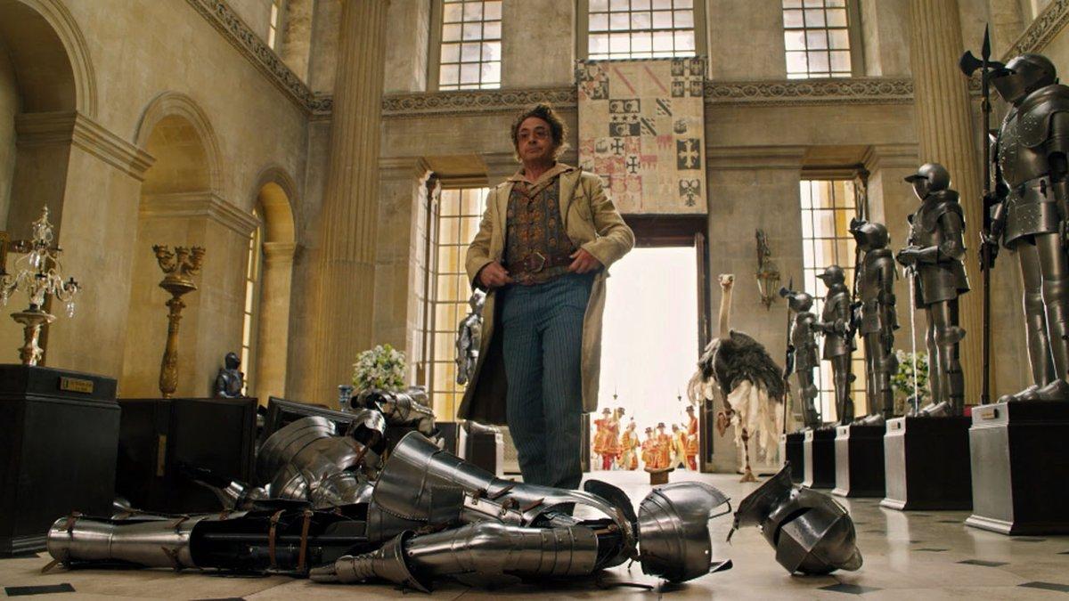 Conoce en EXCLUSIVA al avestruz Plimpton, el compinche con plumas de Robert Downey Jr. en #LasAventurasDelDoctorDolittle. ¡24 de enero! @Universal_Spain https://t.co/OTE4OG57eg https://t.co/nUYyCeduoK