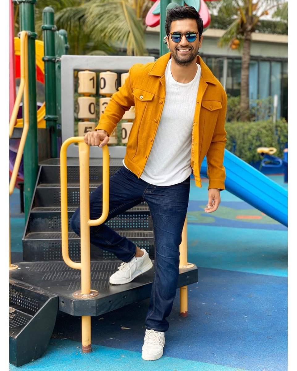 . vickykaushal09 making our hearts smile, as always!  #Bollywood #VickyKaushal #IIFA
