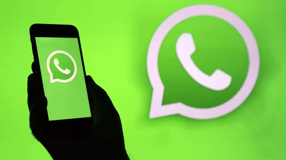 WhatsApp finally launches dark mode, but only in beta