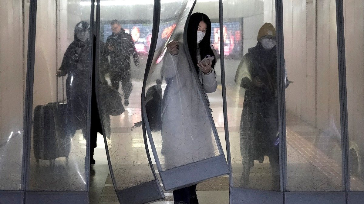 'Adapting and mutating': Latest on Wuhan virus https://reut.rs/3aB5V87