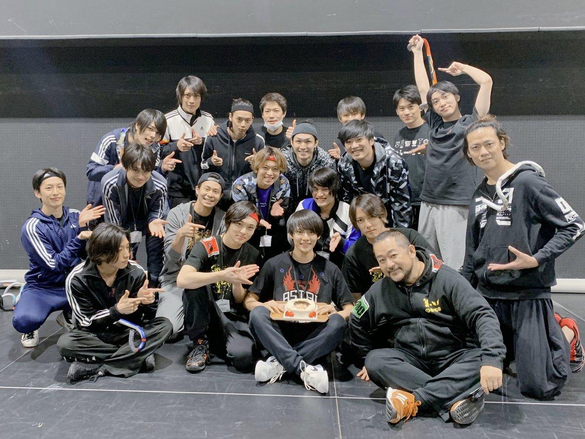 【ブログ更新】本日は小野田役、糠信泰州さんのお誕生日です!稽古場でみんなでお祝いをした様子をブログでお届けします!パワーオブバイクブログ②→#弱虫ペダル #ペダステ