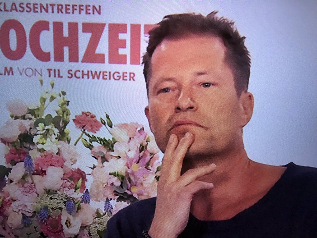 #TilSchweiger Öde Filme, gleiches pseudolustiges Muster, arrogantes Verhalten. Wer will das sehen? #deutscherFilm pic.twitter.com/9ZNIKufxxY
