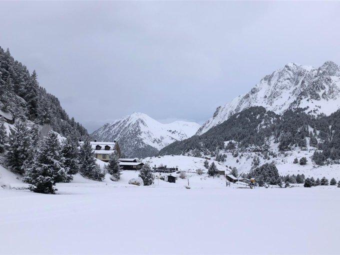 🔴Por fin una buena nevada!!! Ronda de imágenes de hoy, miércoles 22 de Enero de 2020! 👉 https://t.co/tb7I5909Ku