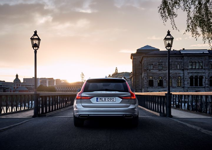 Conquer the city inside the stylish #Volvo  #V90 ! #Follow  the link now to #learn  more  http://bit.ly/2QhJ9wc   #tbt  #love  #Retweet  #RT  #FF  #OpenFollow  #モンスト  #travel  #photography