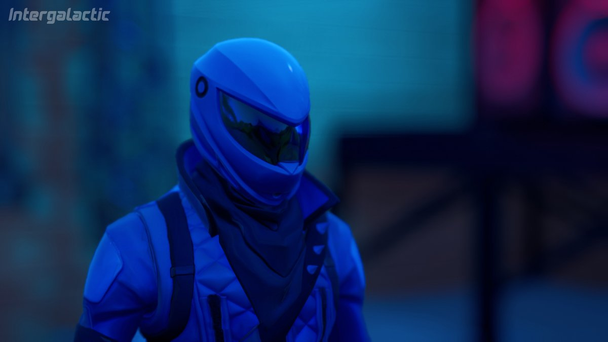 This part is sick! OHH my favourite so-  :incoming transmission:  Honor Guard! We need you! Come to X23...   Ehhh... I guess i have to go then.  Honor Guard Screenshots! Intergalactic. Day 4 #Fortnite #FortntiePhotos #fortnitephotography pic.twitter.com/9Hyaf3h4a2