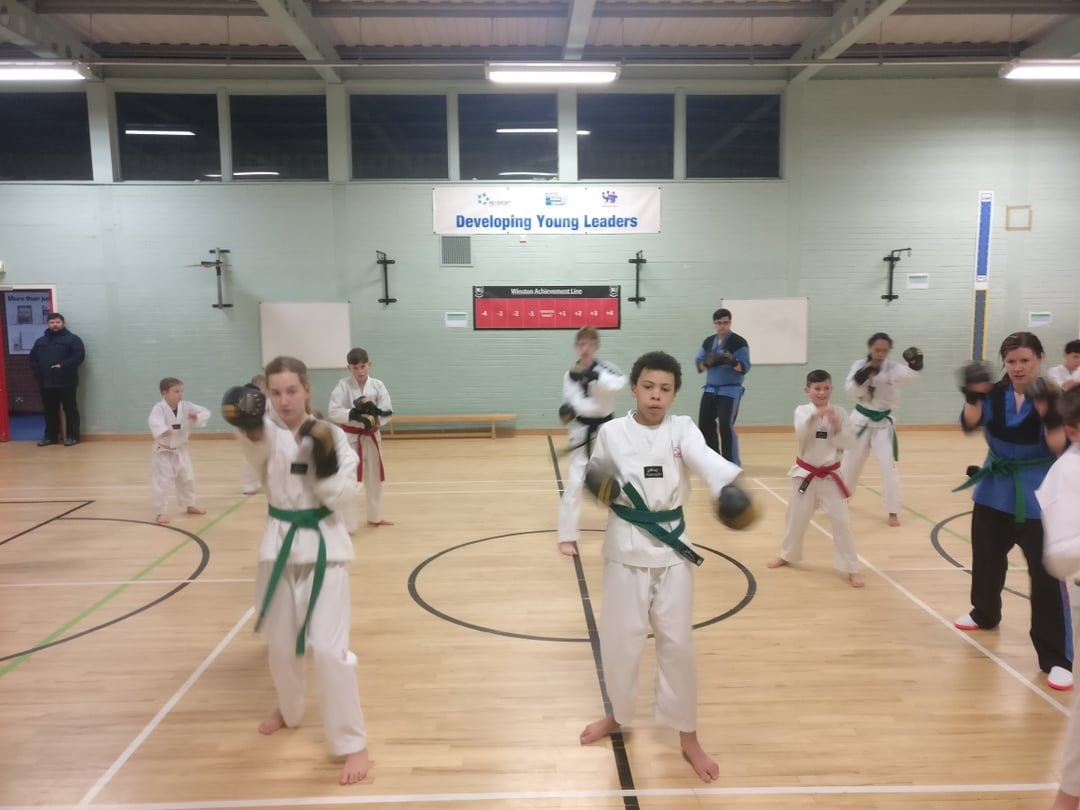 This #midweek  come along to our fab #taekwondo  class at @WSCManager  tonight. No long waiting list, spaces for you all now. Just turn up & join in. @welovewoking   @wokingboard  @Wokingpeople  @ActiveSurrey  @whatsoninsurrey   #martialarts  #fitness  #kids  #families  #selfdefence  #clubs