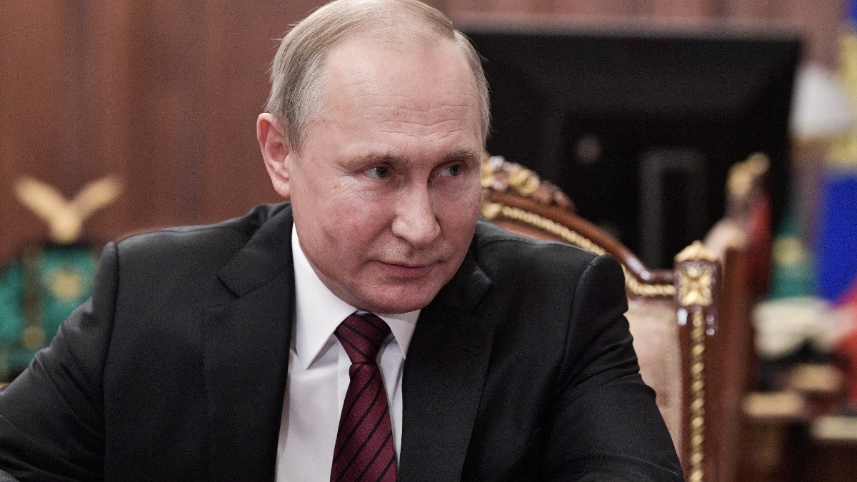 Russia gets new government in Putin's shake-up https://reut.rs/2ReNrCT