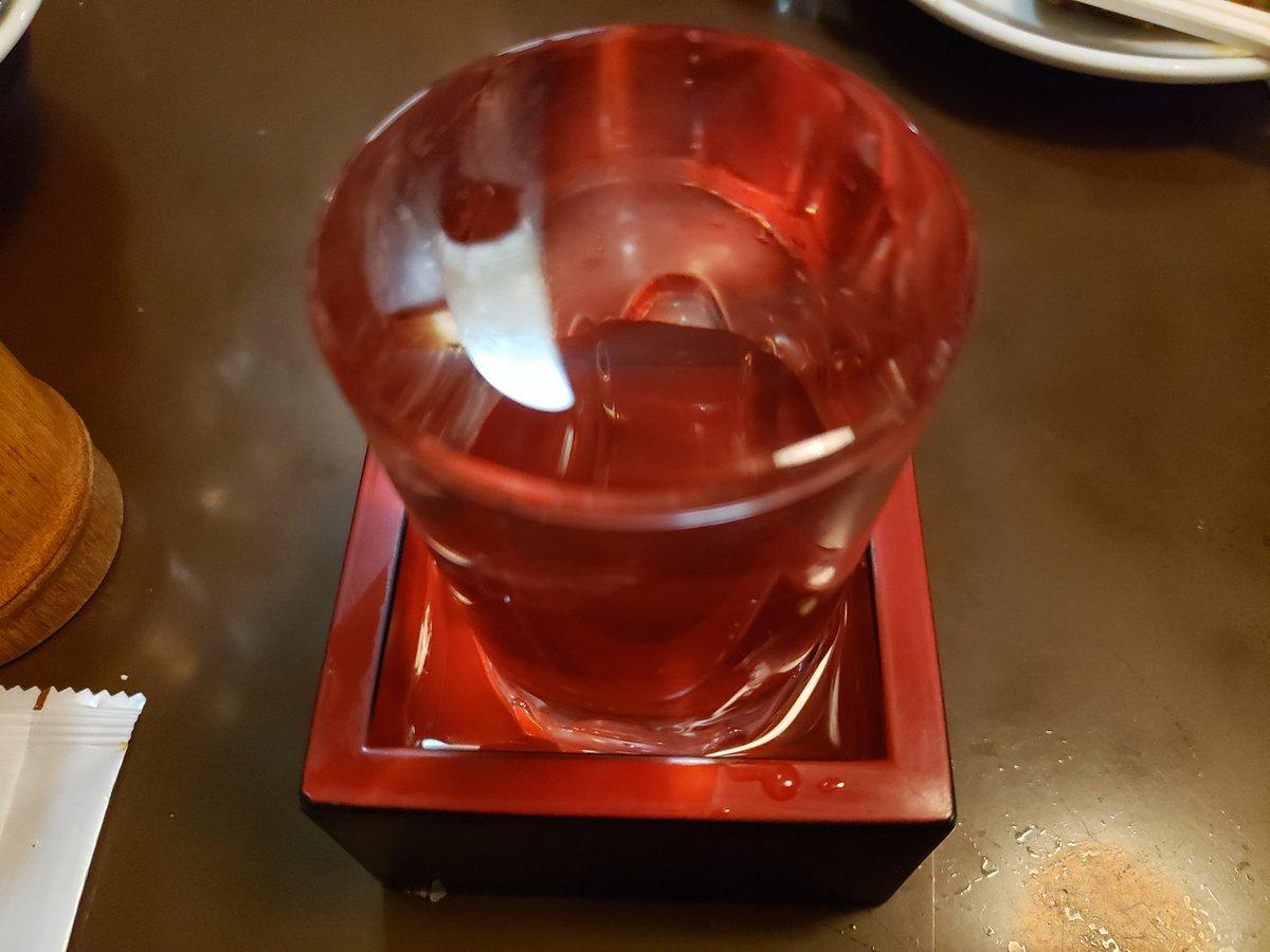そして今日も今日とて日本酒を頂きます…pic.twitter.com/gTl8KQCv88