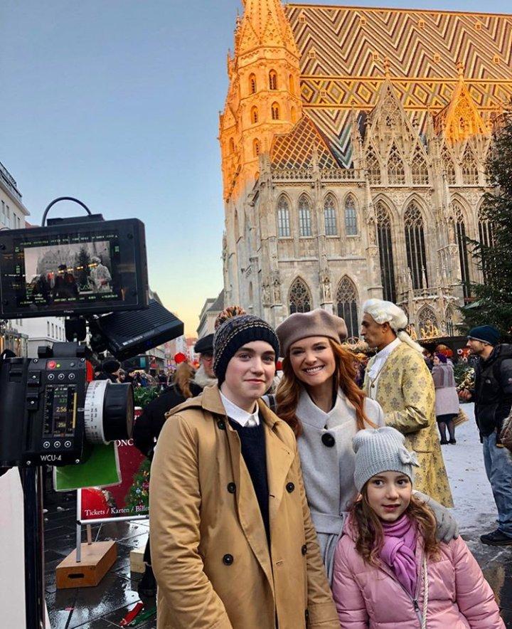 test Twitter Media - #FamilyMovie #Vienna #Work #NewMovie #Sarahdrew 😍😍🎬  📸| Ig Sarah 💫💫💫🎼 https://t.co/tPZis6EGiA