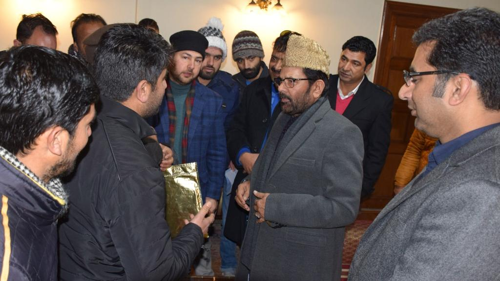 Union Minister for Minority Affairs Mukhtar Abbas Naqvi today visited city center Lalchowk and interacted with traders .
