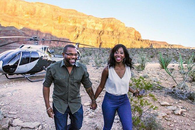 AMAZING! Grand Canyon Helicopter Tour From Vegas **non-sponsored** viator.com/tours/Las-Vega… youtube.com/watch?v=nQrmGx…