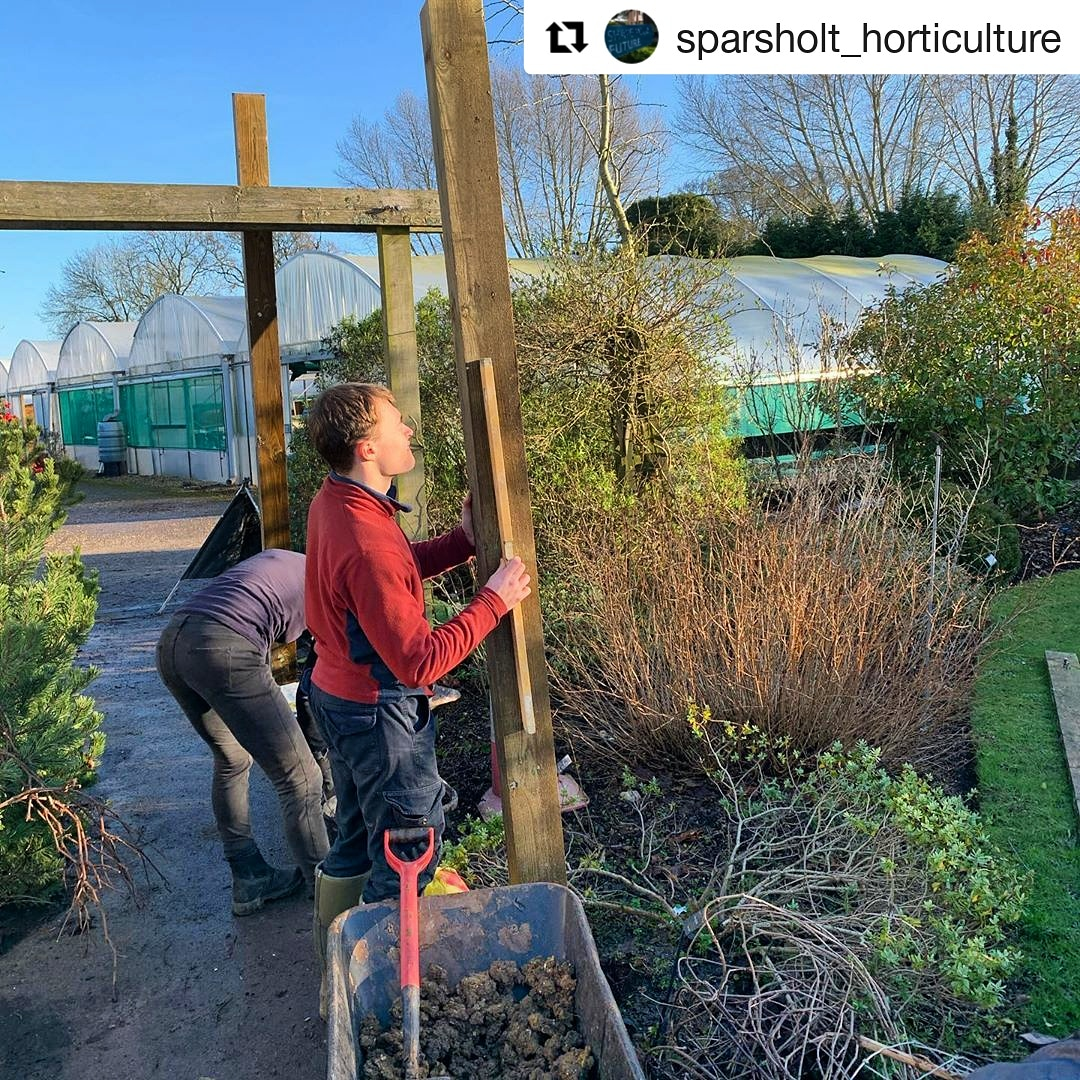 Great to see our Horticulture students out in the sunshine yesterday! ☀️ Looking for a space to grow? Sow the seeds of your career in the great outdoors by registering for our next Open Day now!  🌿  #Repost @sparsholt_horticulture
