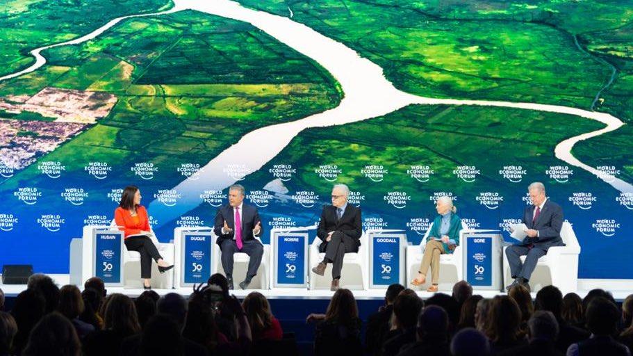 #Davos Participamos en el diálogo 'Asegurando un futuro sostenible para la Amazonía', junto con  exvicepresidente de EE.UU. @algore; el Premio Nobel de Paz 2007, Carlos Alfonso Nobre, y la antropóloga Jane Goodall. Presentamos logros de nuestra política ambiental. #WEF2020