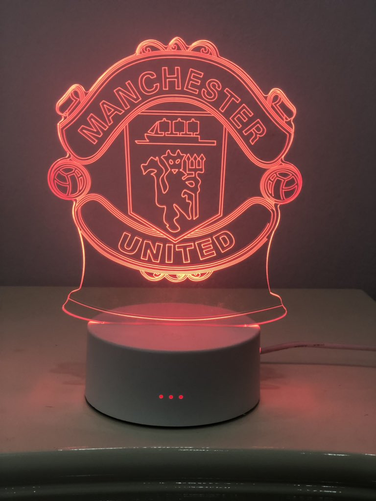 We got you covered best gift  for your Loved ones  is the 3D acrylic Night Lamp for their favorite Football club .. DM to Orderpic.twitter.com/DyWVHzbyBw