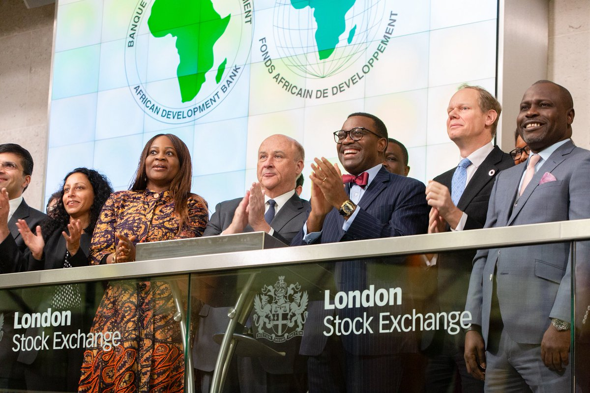 Ringing the market opening bell at the London Stock Exchange today capped a great trip to London. UK Government put up a great UK-Africa Summit. The African Development Bank, UK's Department for International Development and the London Stock Exchange are incredible partners!👍🏼