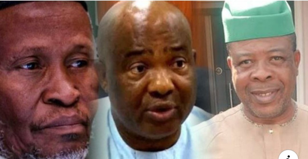 Boom   Imo: How CJN Tanko Allegedly Collected ₦2.5bn From Uzodinma For Favorable Judgement — Journalist Reveals.  A Nigerian Journalist, Jackson Ude has alleged that the CJN Tanko and his colleagues at the Supreme Court purportedly collected the sum of N2.5 billion from<br>http://pic.twitter.com/Lkh5o6hTnJ