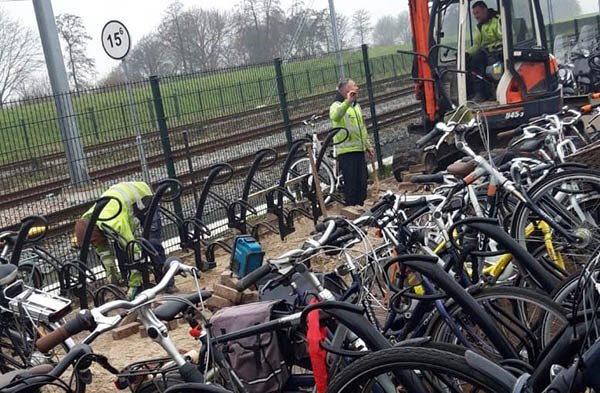 Extra fietsenrekken bij station Steendijkpolder https://t.co/k0hR5ScG2z https://t.co/bwdQ1qMy60