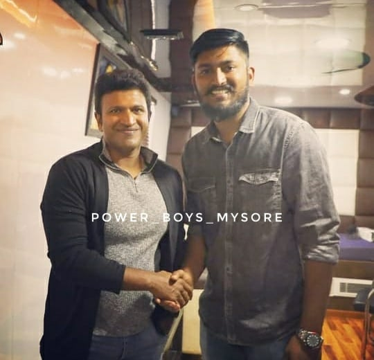 Today's Photo ❤ Exclusive Pic On The Sets Of #Yuvarathnaa 😊 #TheRajkumars #MrPerfect #Appu29 #Yuvarathnaa #Appu #PowerStar #PuneethRajkumar #PowerBoysMysore