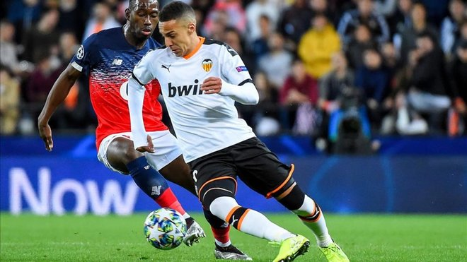 ¦ SPORT ¦ Rodrigo Moreno gives his OK for loan to Barça and handed the transfer to his agent to reach an agreement between Barça and Valencia. #FCBlive <br>http://pic.twitter.com/xR1ka9dtGe