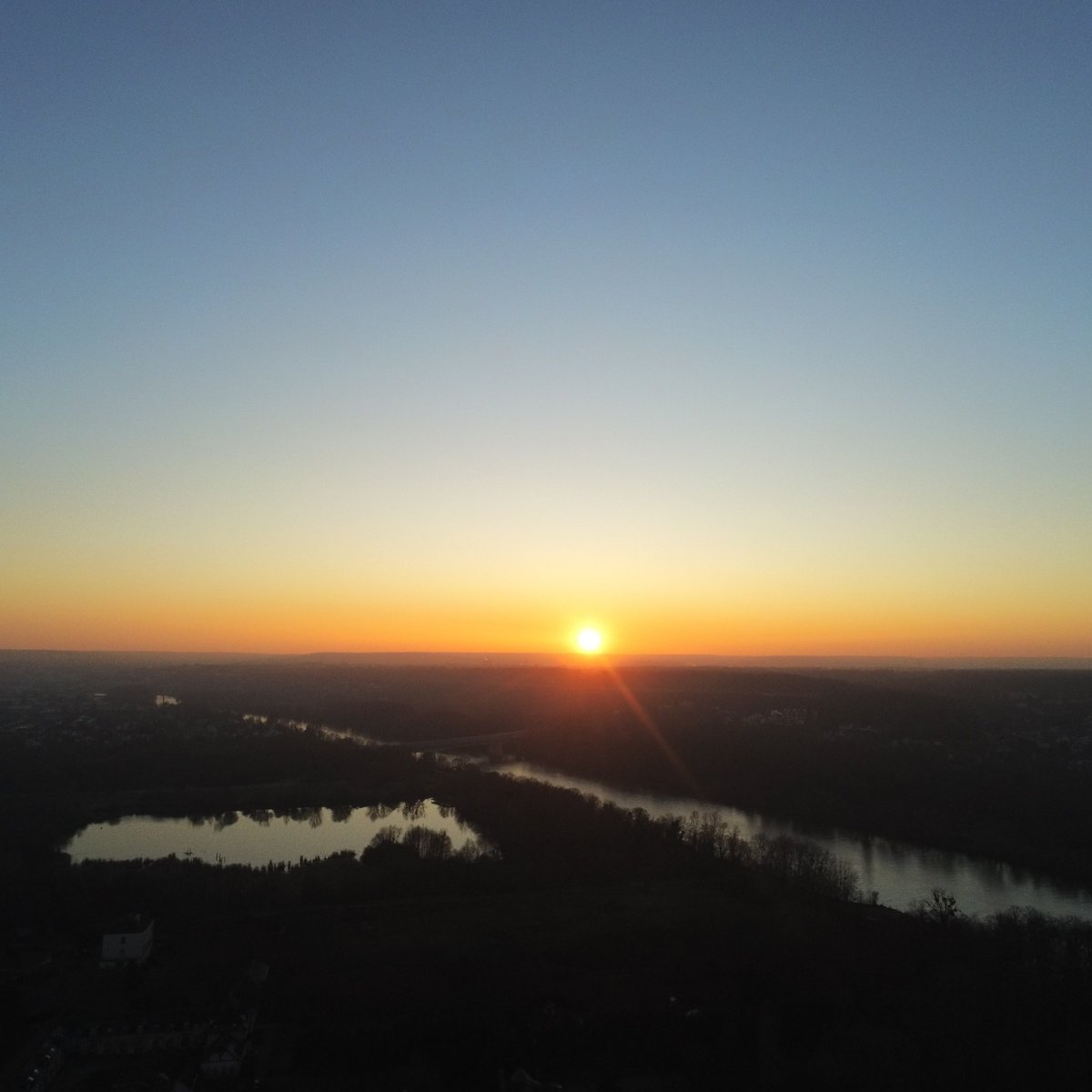 #picsoftheday #drone #amazing #nofilter #sunsetpic.twitter.com/eqHpV279T8