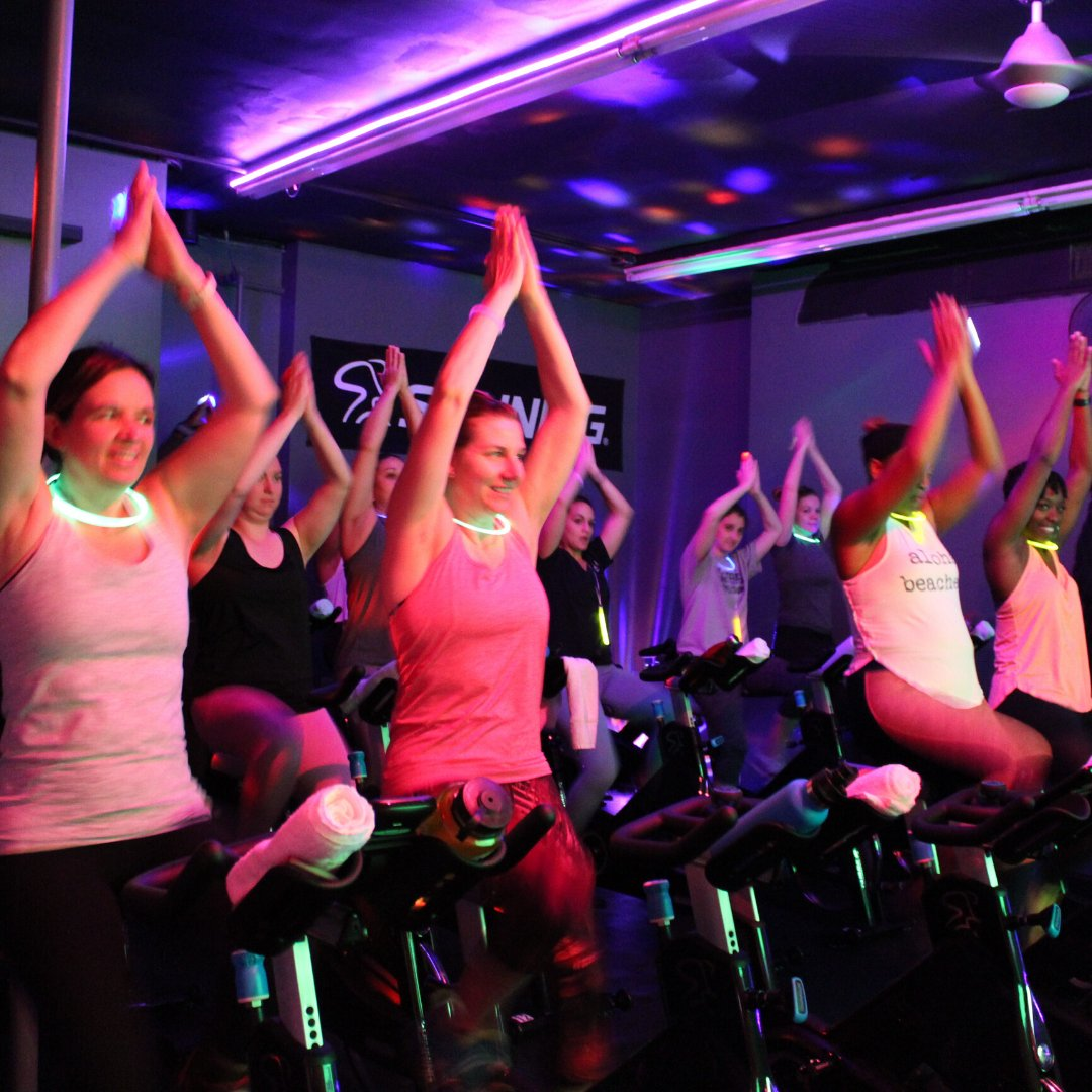 We are always having a posh time #BookYourBike Sign up TODAY at http://www.posh.fit/schedule  #posh #poshcyclingandfitnesss #spinning #cycling #indoorcycyling #workoutclasses #workoutmotivation #fitnessmotivation pic.twitter.com/W0fOWGfzDn