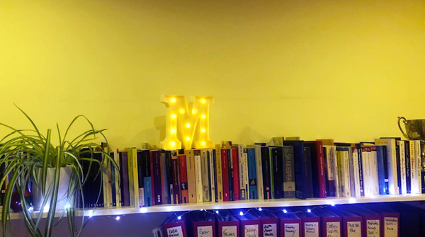 Its #LibraryShelfieDay!  We actually have over 400 plays tucked away on the shelves here at Masterclass  #theatrenerds #playscripts #scripts #sneakytrophy #spideythespiderplant  #theyellowestroomever <br>http://pic.twitter.com/3SykLzzjVy