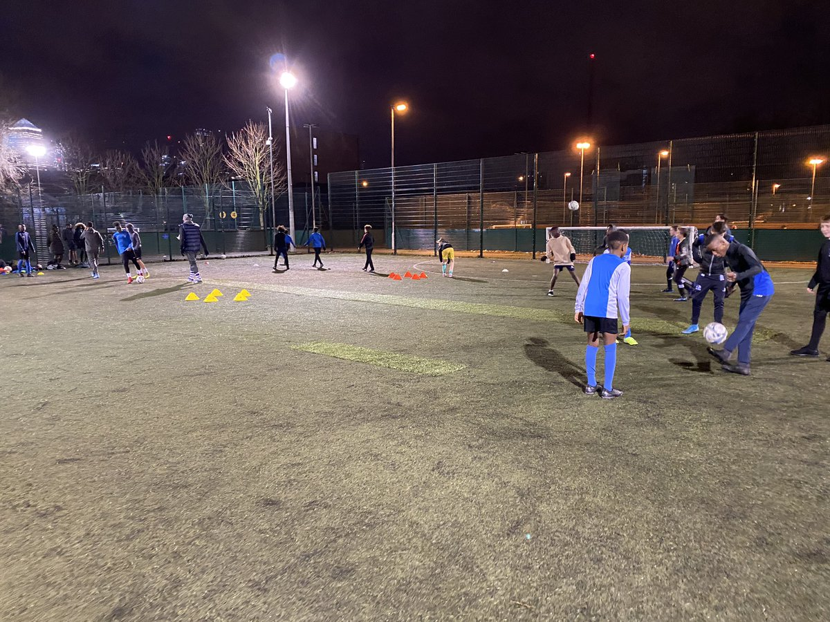 The @TowerHamletsSSN District Football Teams back to training after the Xmas break #towerhamlets #district #footballpic.twitter.com/tuNIWQaJKx