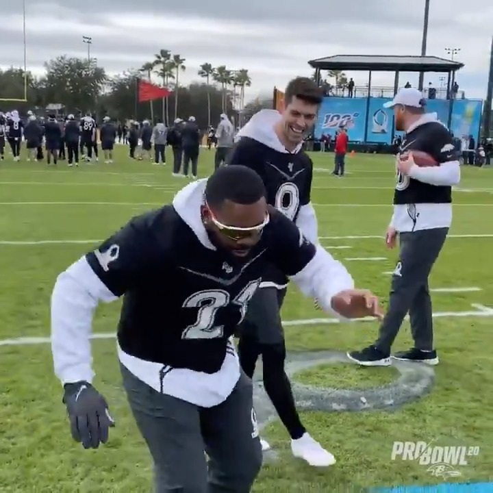 Kicker @jtuck9 drills a 60-yarder with the assist from @markingram21 ‼️