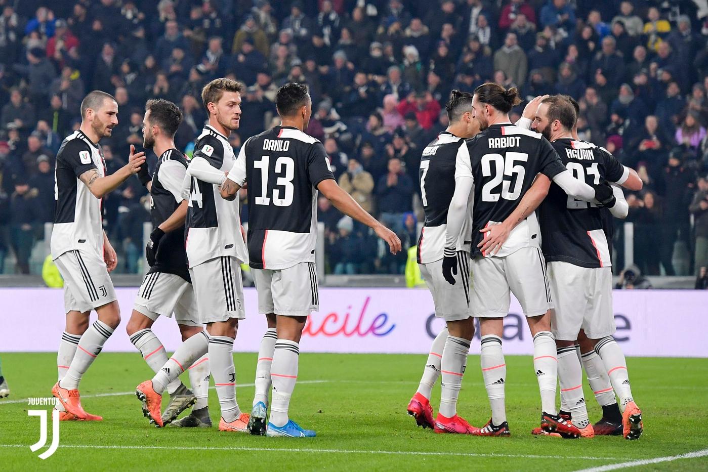 Para pemain Juventus merayakan gol. (Twitter/@juventusfc)
