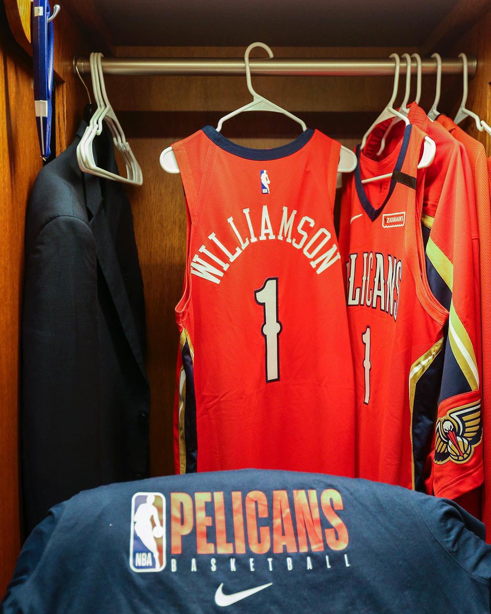 .@Zionwilliamson's locker ready for his #Pelicans debut 🔥🔴
