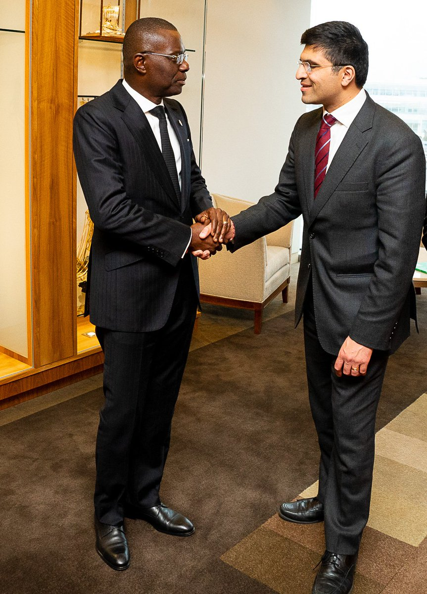 Today, Mr. Governor @jidesanwoolu met with Nikhil Rathi, CEO, London Stock Exchange Plc for a discussion on possible ways Lagos State can extend her bonds to investors on the LSE to drive her ambitious infrastructural renewal and expansion programmes for a Greater Lagos.
