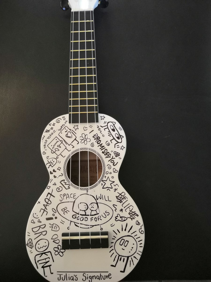This is how a @juliamichaels ukulele should be like. I'm in love 😍🥰