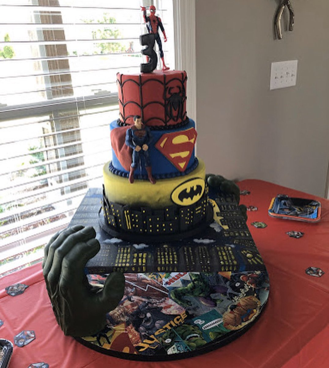 I want to do another project like this soon  It was so fun making this vision come to life!  • •  #SumthinSweet #Cake #Superhero #Art #Hulk #Spiderman #Batman #Superman #Smash #JusticeLeague #Comics #Marvel #tobymaguire #FoodNetwork #CakeWars #Birthday<br>http://pic.twitter.com/kbpCD510OL
