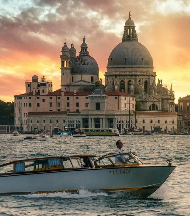 Check out my newest #Instagram #photo #Sunset behind Santa Maria della Salute, #Venice #Italy #boat #travel #canal #skyline #urban #sky #cityscape #city #architecture #church #sunset #waterfront @italiait @neumarc @psychodreaming @travelanddestinations @… https://ift.tt/2RMV8PU pic.twitter.com/ZehAv793Cp