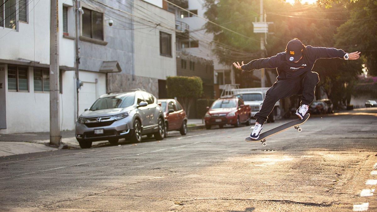 @giovany_rocha demostrando su habilidad para dominar el asfalto junto a su tabla.  📷 : Enrique Viazcán https://t.co/0Esiaoc2g0
