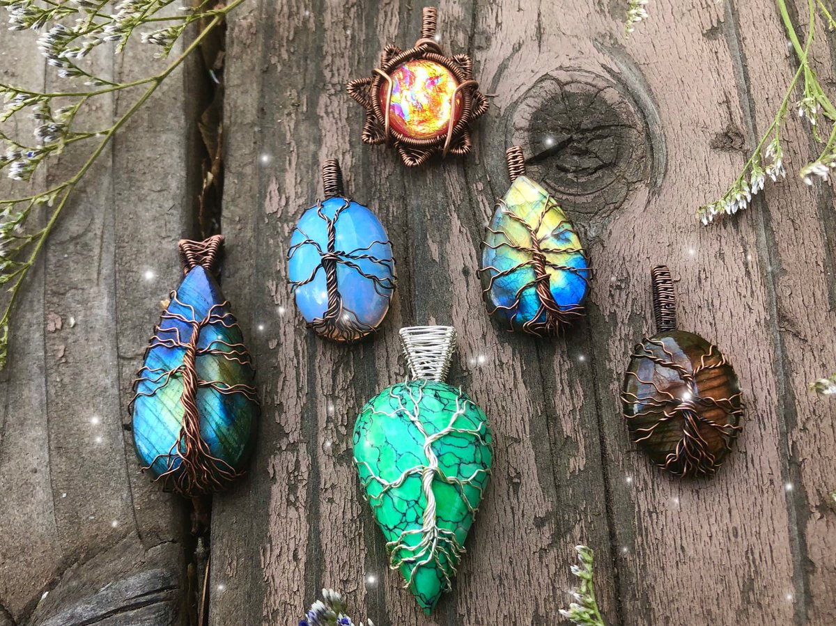 𝒮𝒽𝑜𝓅 𝒰𝓅𝒹𝒶𝓉𝑒 My update is LIVE! All of these pendants were made with  so much 𝓁𝑜𝓋𝑒 and 𝓅𝑜𝓈𝒾𝓉𝒾𝓋𝑒 𝑒𝓃𝑒𝓇𝑔𝓎!   ~The tree of life is a special symbol to me. It represents growth, strength, and new beginnings! ~ Rts are very appreciated!  <br>http://pic.twitter.com/M1o2QUDnct