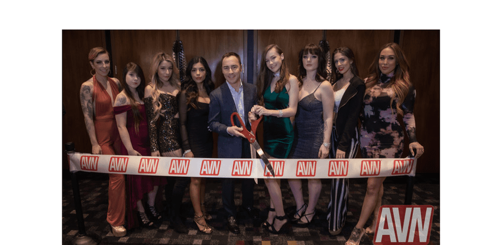 CAMStars Kick Off 2020 AVN Show With Official Ribbon Cutting http://ow.ly/lL9350y2rJX  @MyFreeCams @AEexpo