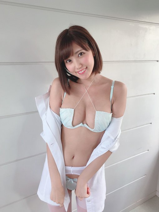 グラビアアイドル篠原冴美のTwitter自撮りエロ画像16