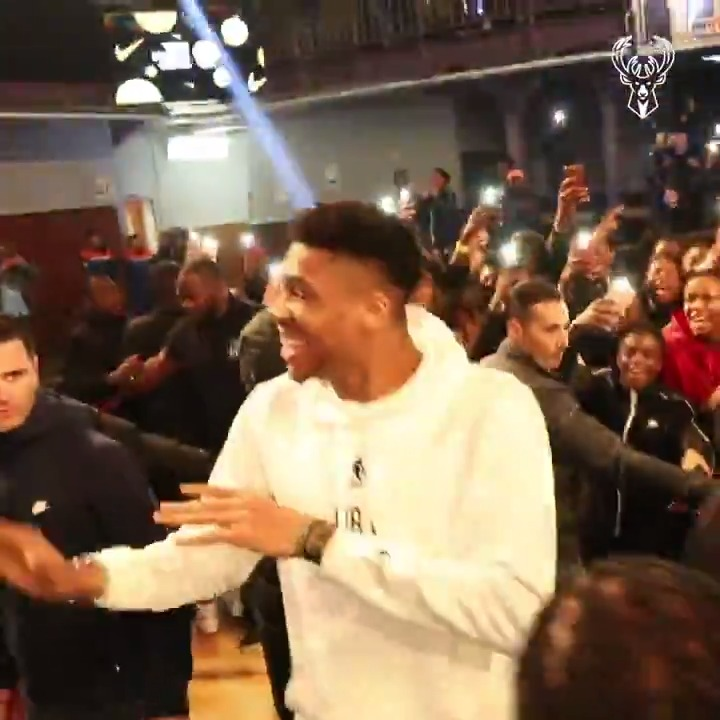 When @Giannis_An34 visits The Paris Ring Finals...it turns all the way UP!!  #theparisring | #nikebasketball