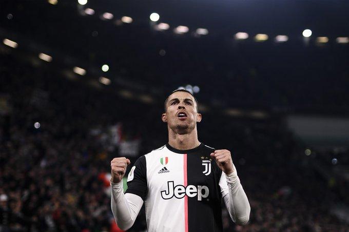 """🗣️Kolarov: """"O que podemos fazer? Cristiano Ronaldo é o melhor jogador da história. """" 🗣️ Florenzi: Perdemos para a Juventus duas vezes na semana passada, temos que melhorar, mas eles têm um diferencial em Ronaldo. 🗣️ Kluivert: """"Cristiano Ronaldo é meu ídolo, ele é incrível."""""""