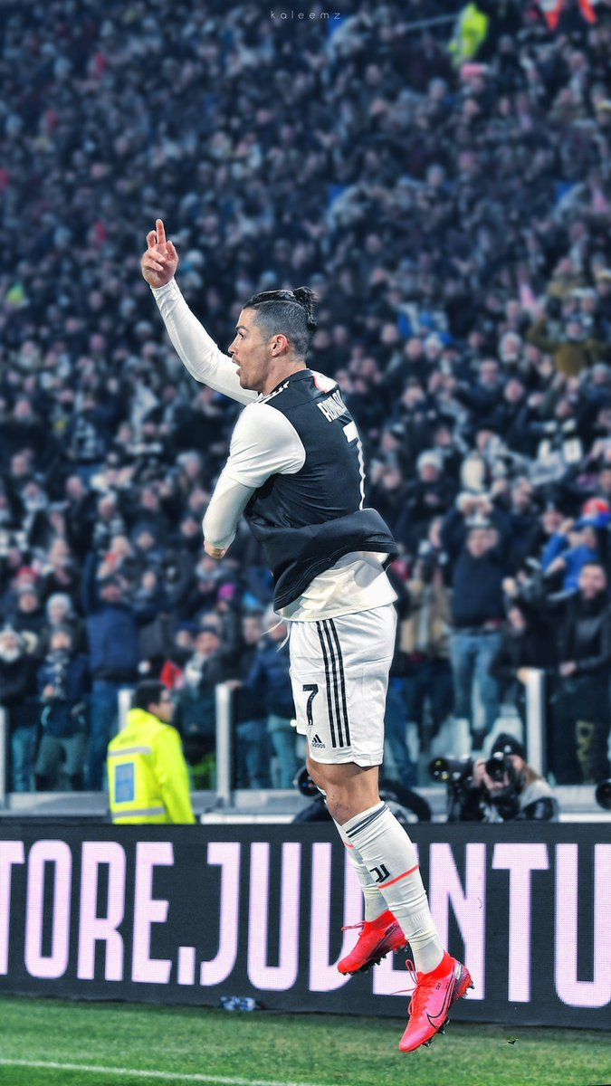 """Justin Kluivert: """"Cristiano Ronaldo is my idol, he's incredible."""""""